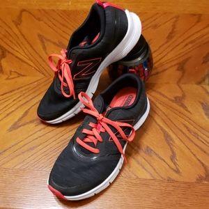 Womens New Balance shoes sz 10